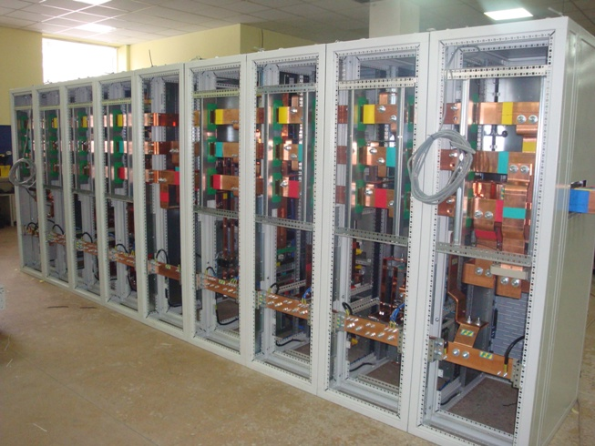 Busbars assembly section