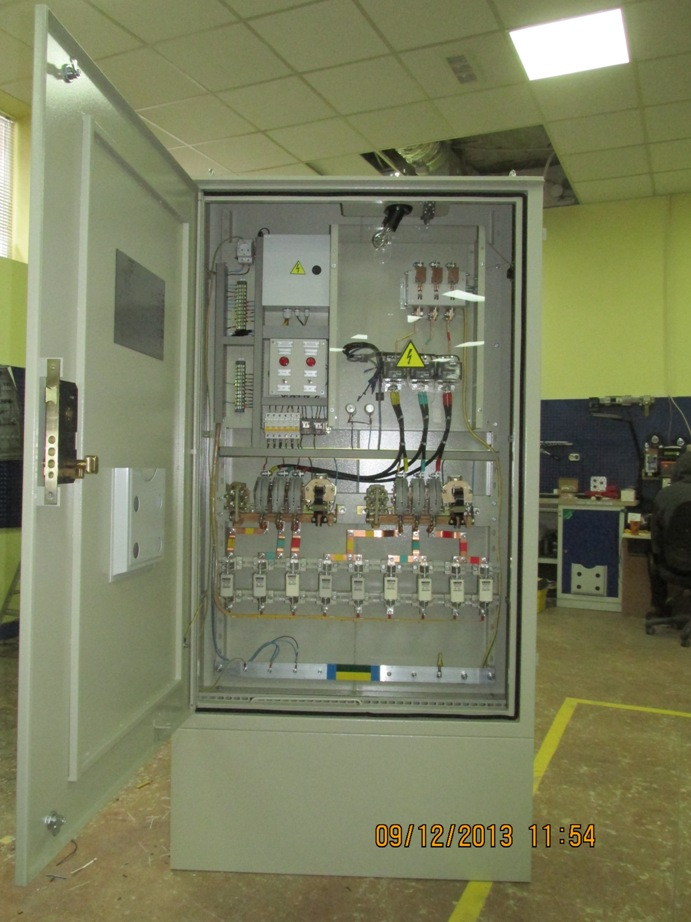 Outdoor lighting control cabinets production of